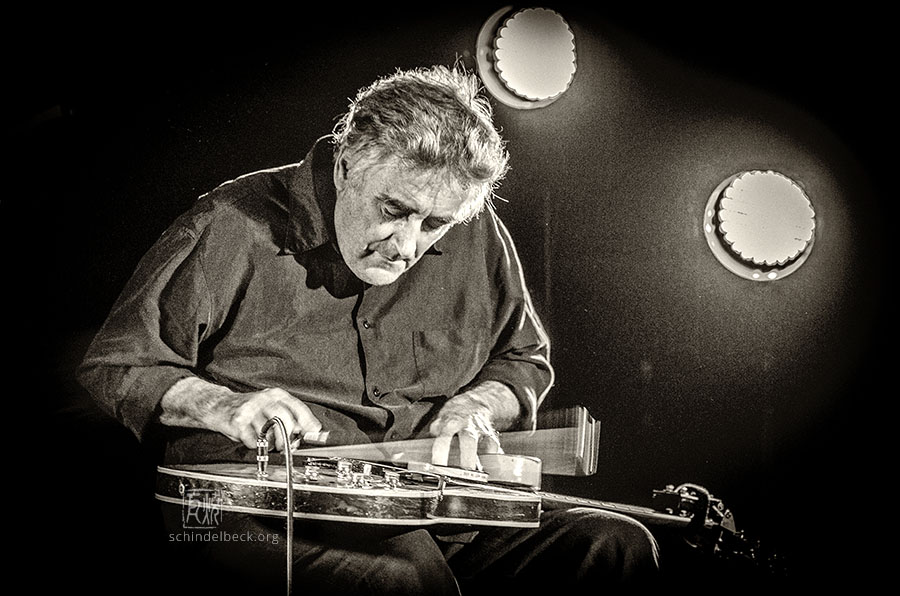 Fred Frith by Frank Schindelbeck