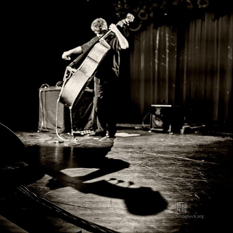 Garcia-Fons - Photo: Frank Schindelbeck
