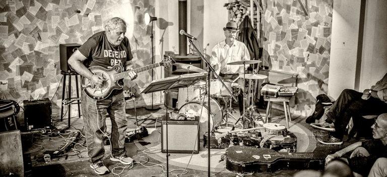 Eugene Chadbourne + Schroeder Saarbrücken - Photo: Frank Schindelbeck Jazz Photography