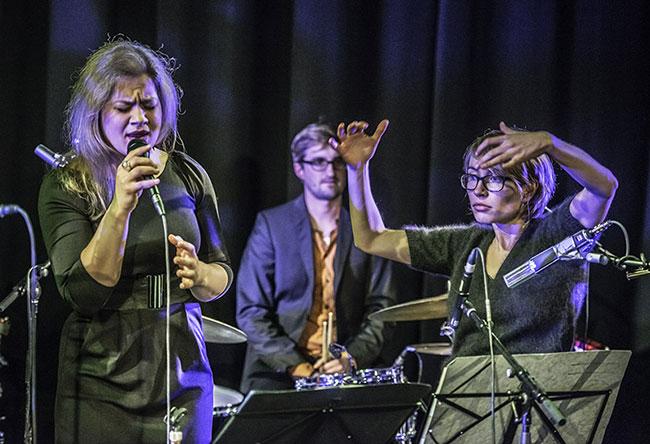 Agnes Lepp, Julian Fau, Rebecca Trescher  - Photo: Klaus Muempfer