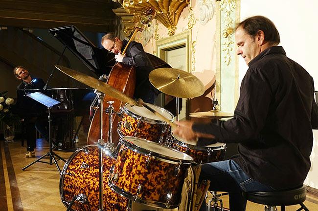 Dieter Ilg Trio - Photo: Kumpf