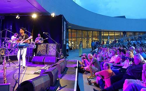 Marcus Miller et al - Photo: Kumpf
