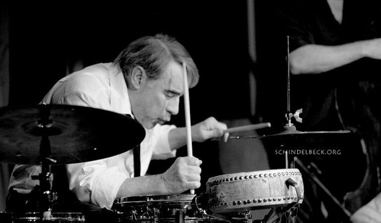 aul Hubweber (Posaune), Paul Lovens (Schlagzeug) und John Edwards (Bass) - Photos: Schindelbeck